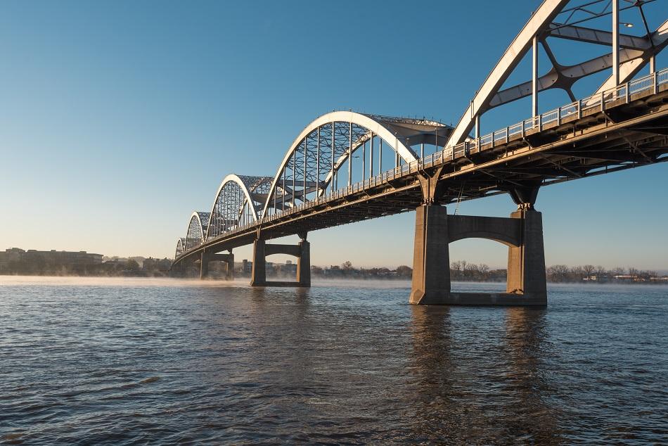 Centennial Bridge 3.jpg